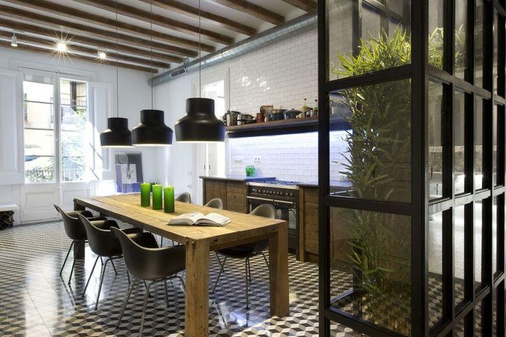 Designersduo Egue en Seta   Barcelona loft   Green roomdevider