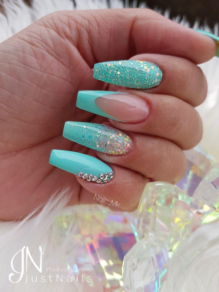 Blue nails – Fingernägel