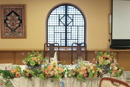 初夏の会場装花 階段を飾る いつもから特別へ 横浜霧笛楼様へ