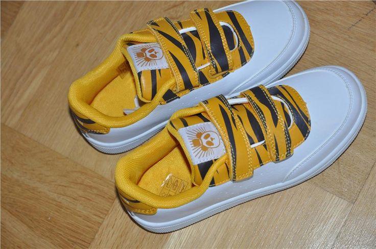 Mini Rodini NYA sneakers skor med tigermönster 34