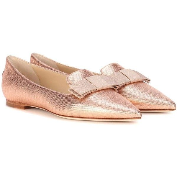 Jimmy Choo Gala Metallic Ballerinas (12,460 MXN) ❤ liked on Polyvore featuring shoes, flats, pink, rose gold flats, metallic flats, pink ballet shoes, metallic shoes and pink shoes