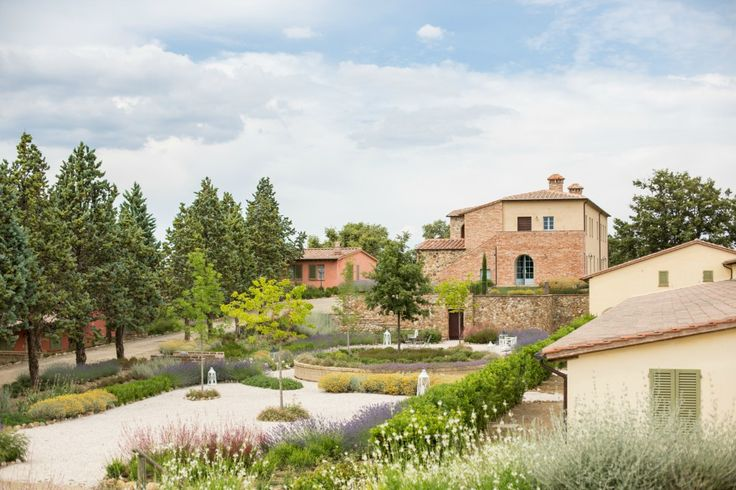 The Perfect Honeymoon or Minimoon in the beautiful Tuscan Countryside - UK Wedding Blog - Plans and Presents