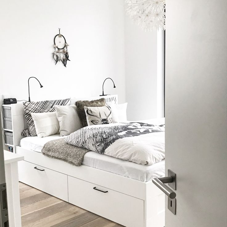 die besten 25 brimnes bett ideen auf pinterest w nde gl tten brimnes kommode und ikea hemnes. Black Bedroom Furniture Sets. Home Design Ideas