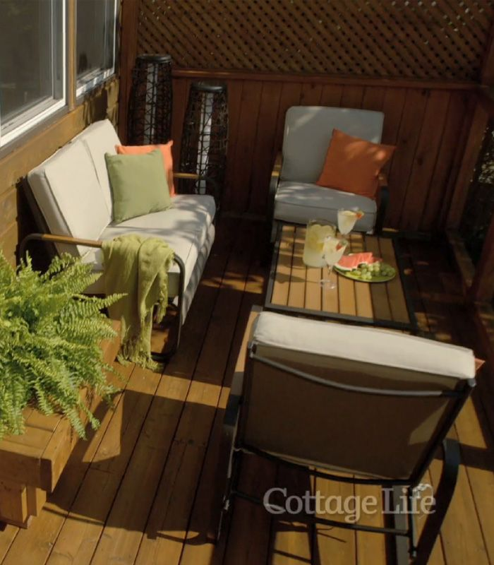 Your #deck is a high-traffic area where you host dinners, cocktail parties and get-togethers, so you'll want décor that dazzles. #BevBell shares her tips for turning your deck into an #outdoor oasis this #summer.