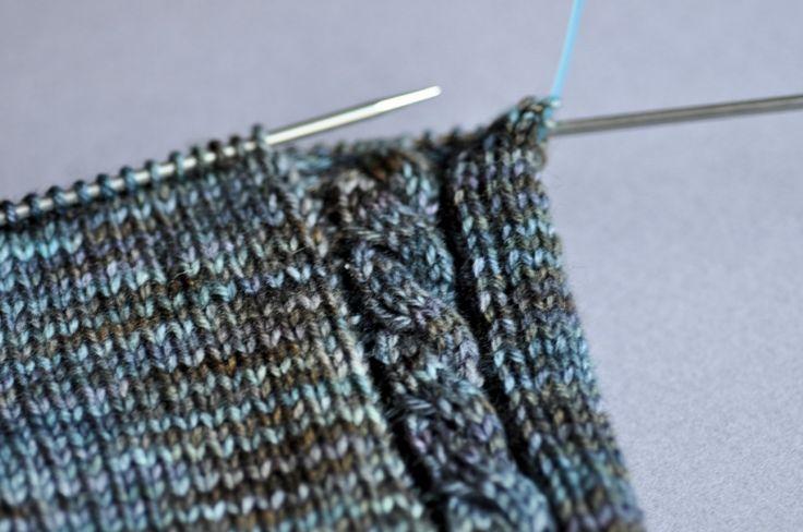 Faire des torsades sans aiguille à torsade | in the loop - Le webzine des arts de la laine