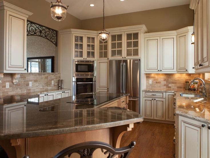 Traditional Tuscan Kitchen Makeover Tuscan Kitchenshgtv Kitchenssmall Kitchensmodern Kitchensold World Stylekitchen Makeoverswhite Cabinetsivory