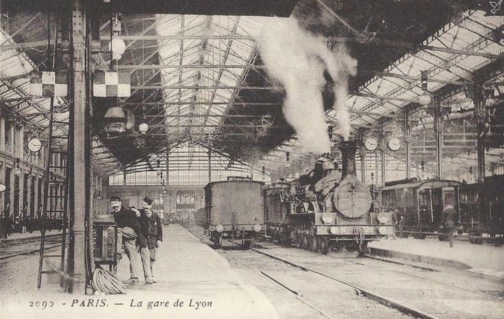 Antigua postal con los andenes de la estación de París-Lyon a comienzos del siglo XX