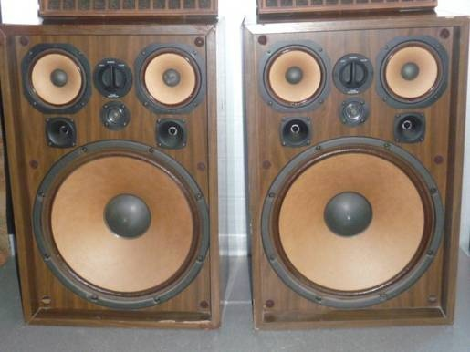 Kenwood 777 Speakers,  The entire system was 100 Amps, more than I needed.  Lasted till the late 80's early 90's777 Speakers, Late, 80 S Early, Kenwood 777, 60 S Moving, Entire System, Early 90 S, Moving Forward, 100 Amp