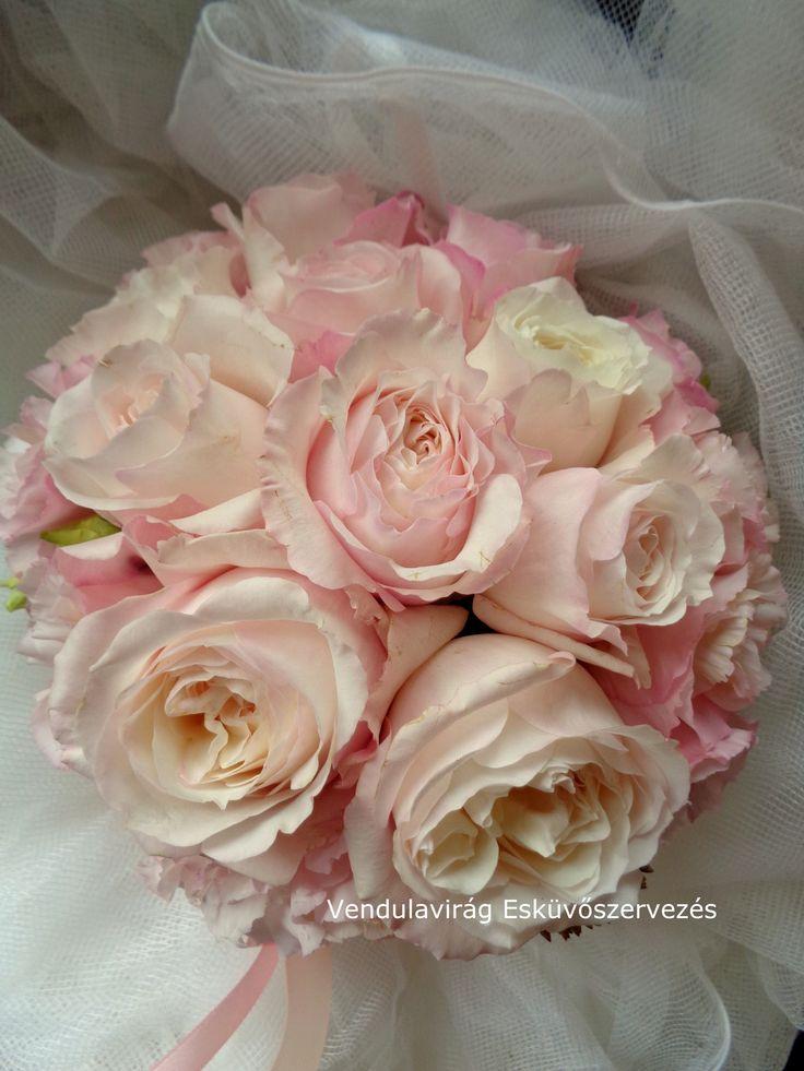 """Menyasszonyi csokor David Austin """" Keira"""" rózsából"""