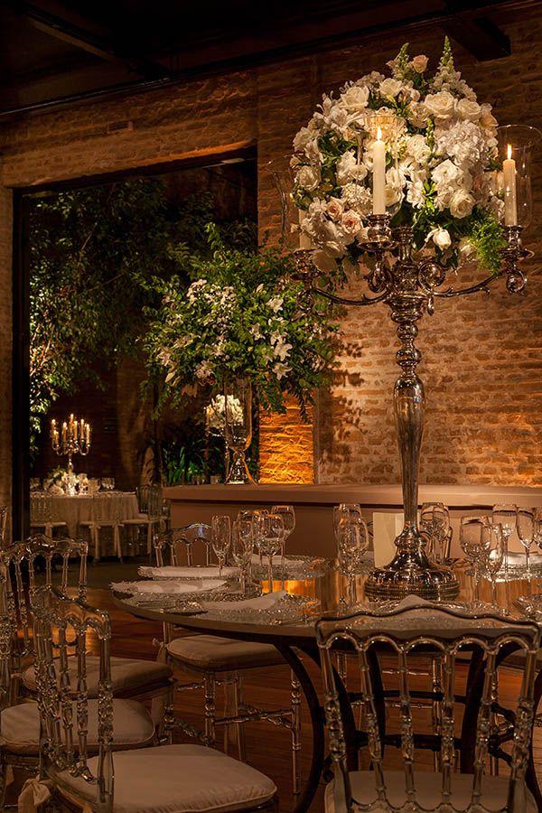 Verde e branco foram as cores escolhidas por Roberta Fasano para a decoração deste casamento no Contemporâneo 8076, em São Paulo.