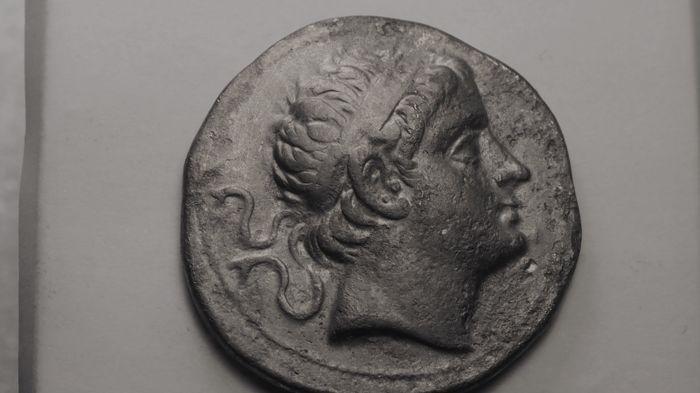 Plateforme de ventes aux enchères en ligne Catawiki : Royaume Seleucide - Antiochus III le grand, Tétradrachme AR, 223-187  av J.-C.