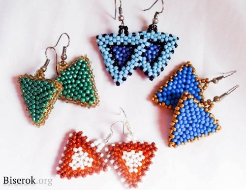 """Simple Triangle master class.  Do one of these before the """"gimlet"""" triangle.  (translate) ~ Seed Bead Tutorials"""