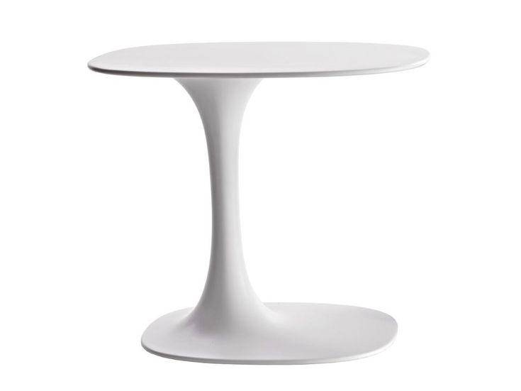 Table basse ovale en Cristalplant® AWA by B&B Italia design Naoto Fukasawa