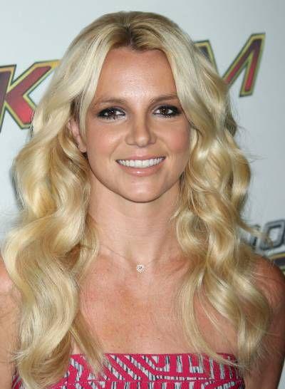 Britney Spears wears mermaid waves