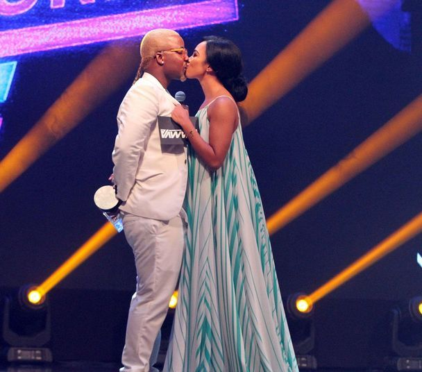 OMG! You Won't Believe What Cassper Did To Amanda Du-Pont Live On Stage