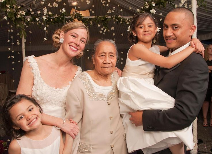 Vili Fualaau Daughters | Mary Kay and Vili with their daughters on their wedding day - Photos ...