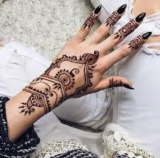 """Résultat de recherche d'images pour """"tatouage henné dos"""""""