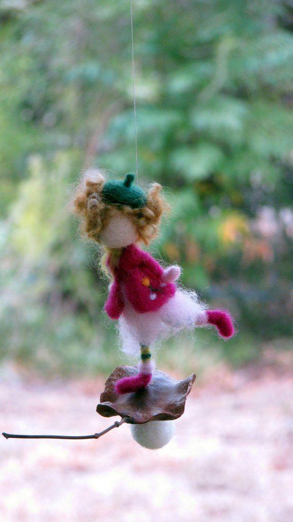 Weihnachtsbaum Samen.Weihnachtsbaum Ornament Winter Puppe Auf Einem Samen Kleine Fee