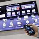 WikiLeaks publica un manual para poder espiar a la gente a través de las Smart TV de Samsung  Ya te contamos en su momento que una nueva vuelta de tuerca de WikiLeaks había dado como resultado el destape de numerosos datos y hechos hasta ahora desconocidos, como era la existencia de una herramienta que posibilitaba a los organismos el...