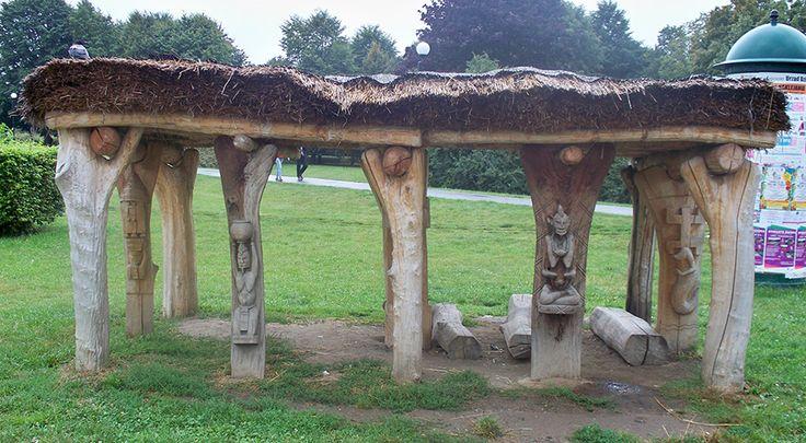 Toguna, Park Bródnowski, Warszawa, Polska.