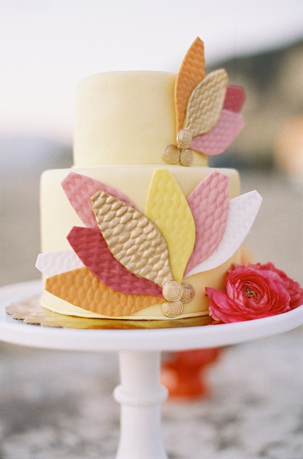 quilted petal wedding cake // photo by Braedon Photography // cake by Cupcakes Couture of Manhattan Beach
