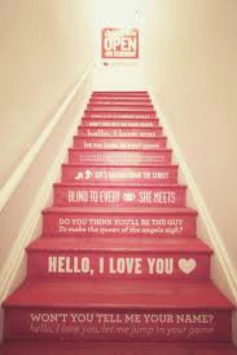 Stairs can be so boring. This is way cute and gives dimension