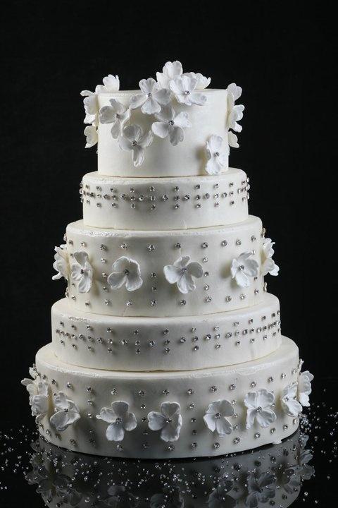 Jaso Wow Cakes & Cristallized Swarovski by Chef Sonia Arias http://www.jaso.com.mx/postal/swarovsky/