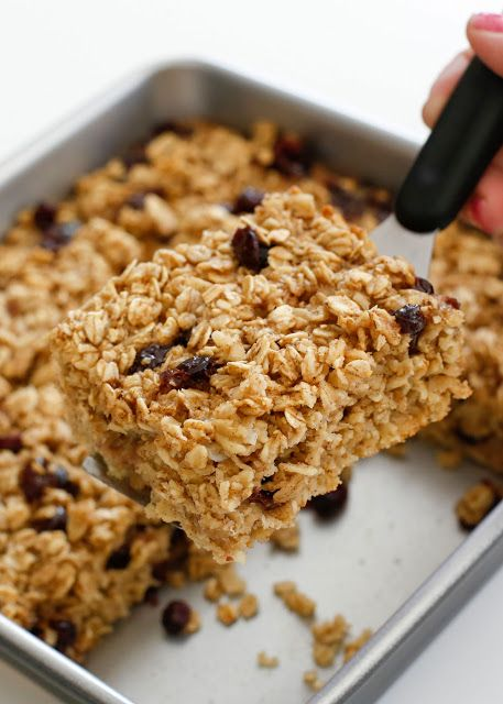How-to guide for making the best baked oatmeal - get the recipe and step-by-step video at barefeetinthekitchen.com