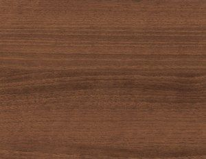 NOGAL:  es una de las maderas mas duras que existen.  Ofrecen un hermoso color marrón chocolate con un grano precioso y tiene manchas que van muy bien. El nogal no es tan denso como la cereza o caoba, pero sigue siendo muy buscada para panelados de lujo, muebles, gabinetes, puertas, adornos y elementos torneados.