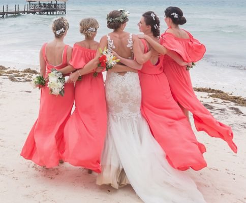 One of the first duties of every bride-to-be is to choose her bridesmaid's dresses and the maid of honor dress and decide what colors and / or style of dresses she would like them to wear at her wedding. It is considerate to discuss with the bridesmaids the style and color of dresses they would prefer to wear on the wedding day.