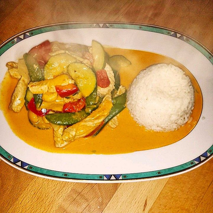 Rotes Thai-Curry wie beim Thailänder