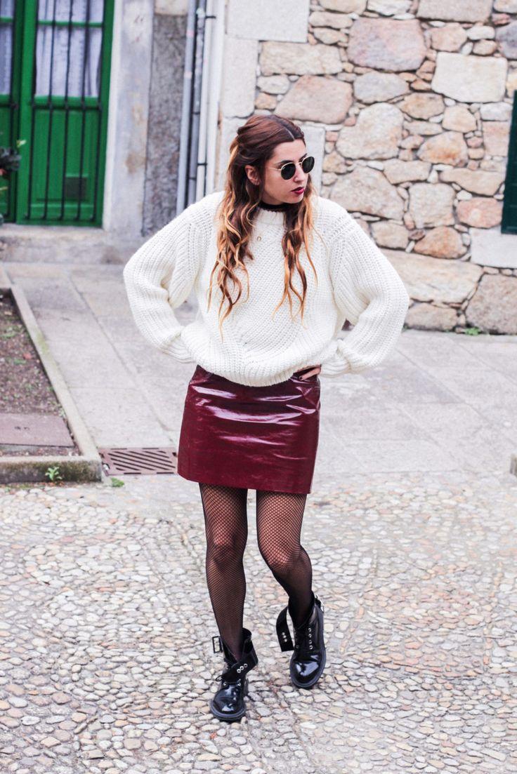 irresistible_me_medias_de_rejilla_falda_de_charol_jersey_sweater_knitwear_hair_style_dark_lips-49