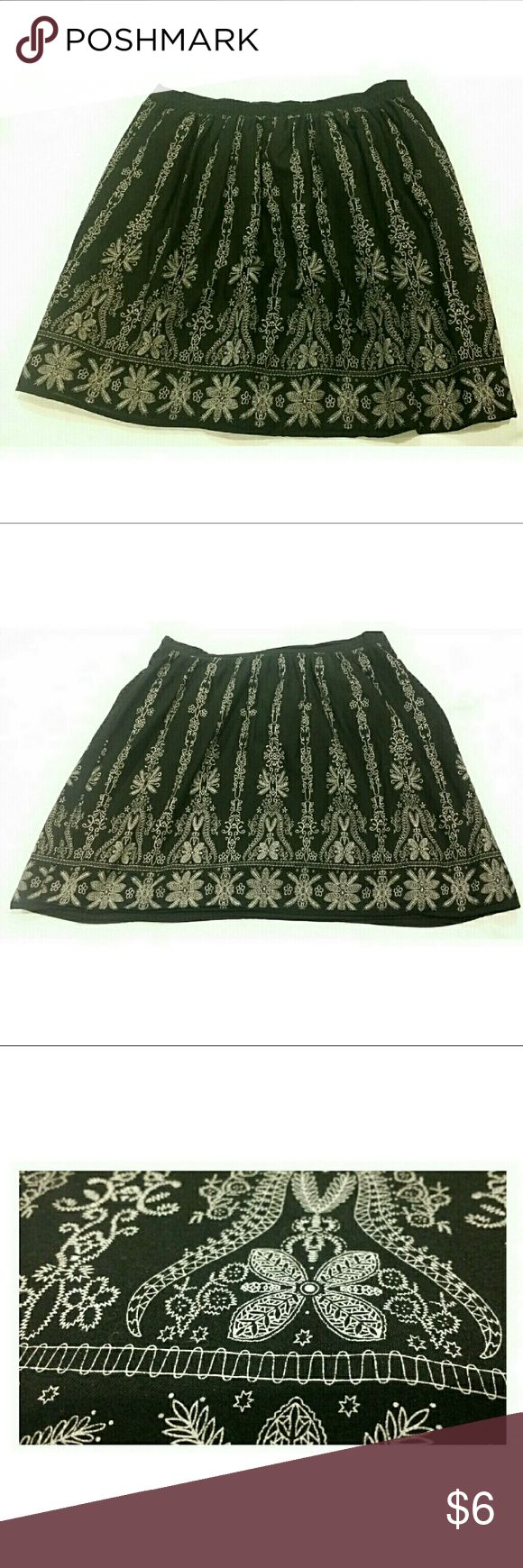 "🔥3/$10 CUTE RETRO COTTON SKIRT BLACK WHITE 🔥🔥🔥THIS ITEM IS PART OF MY 3/$10 SALE! BUNDLE WITH 2 MORE ITEMS MARKED WITH 🔥 & YOU WILL GET ALL 3 LISTINGS FOR $10!!!🔥🔥  This versatile skirt is lightweight, lined, & ready for action! It has a printed on ""embroidery"" design (see pic). Cute retro look! This skirt kinda has that ""bell"" shape with fitted waist & a little bit of ""poof"" even sans a petticoat Skirts Midi"