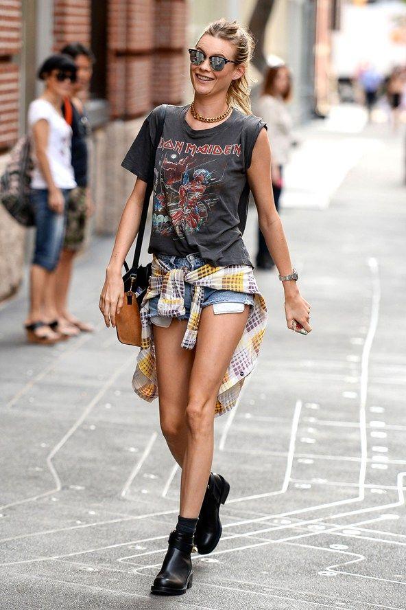 Behati going grunge in NYC. #BehatiPrinsloo #Offduty