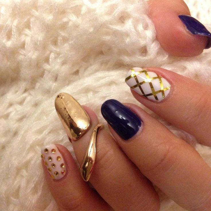 Elegant Nail Ring from NailCandi® available in plated gold or silver www.nailcandi.co.za #nailring #nailart