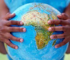 En septiembre de 2000, en la ciudad de Nueva York, se celebró la Cumbre del Milenio. Representantes de 189 estados recordaban los compromisos adquiridos en los años noventa y firmaban la Declaración del Milenio.