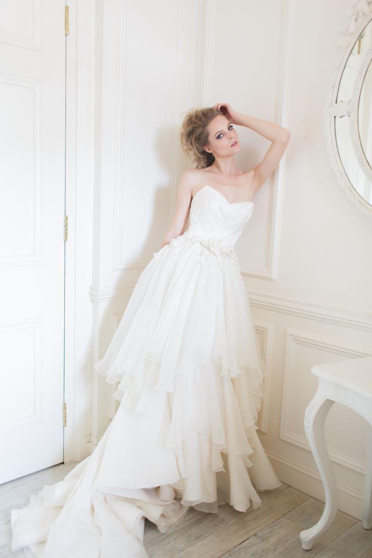 Belle gown from Vivian Luk's White Collection #vivianluk #vivianlukatelier #white #bridal