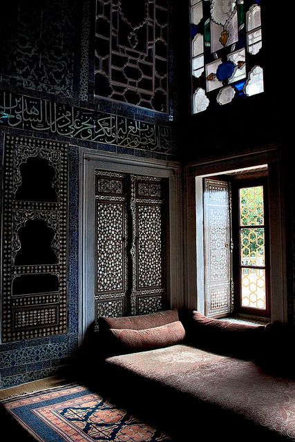 Wouldn't this Moroccan interior be a fantastic place to lounge, day dream, and read Pinterest on my tablet?
