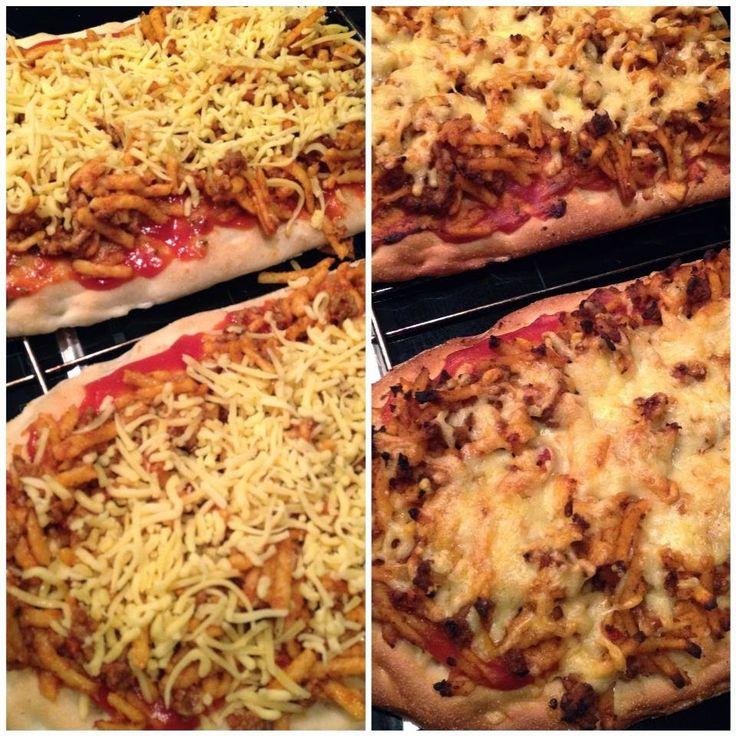 Pasta over? Neem een Turks brood, beleg met wat tomatensaus, pasta erop, geraspte kaas erop en bak af in de oven. Makkelijk kan niet en dan heb je wel genoeg. Uitgebreid recept zie de link.