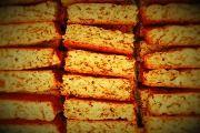 Ouma Anne se Semel / Bran Beskuit Kannie ophou eet nie! Bestanddele 1 kg bruismeel 5 koppies semel / All-bran 400 ml suiker 2 tl bakpoeier – mooi gelyk teen rand 1 tl sout 500g margarien Stork Bake 3 jum...