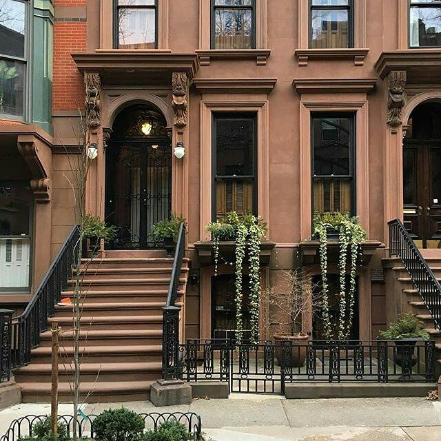 Best 25 brooklyn brownstone ideas on pinterest Brooklyn brownstone interior