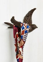Acquire this cast-iron wall hook when you need a quick fix for storing your coats, keys, or hats. Sprucing up your flat is as easy as securing this etched bird to the wall - then, voila - both your item and this decorative hook are on display!