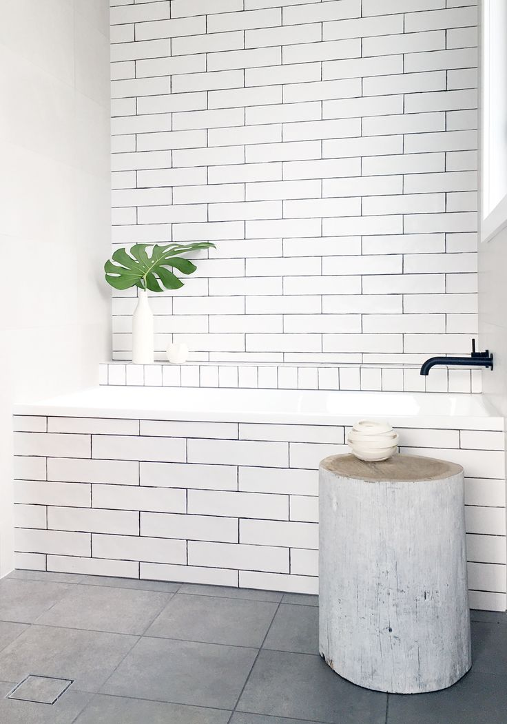 Maroubra Beach Bathroom by Kate Connors Interiors.