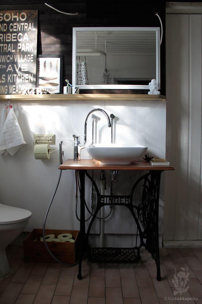 Reutilizar mesas de máquinas de coser antiguas