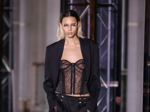 cover-corsetto-mobile