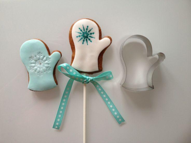 Hand stamped christmas gingerbread cookies by Hana Rawlings cake design