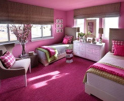 Daughters bedroom. Holy pink.