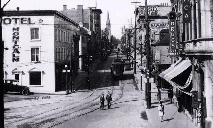 Rue St-Jean en 1929. (Site Internet: photojrad.shost.ca | Photo source: Archive de la ville de Québec | Photo: Fond Thaddée Lebel)