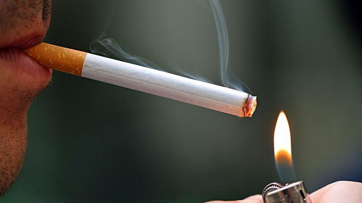 El humo del cigarrillo provoca casi 1 millón de muertes por año entre los no fumadores - Télam - Agencia Nacional de Noticias