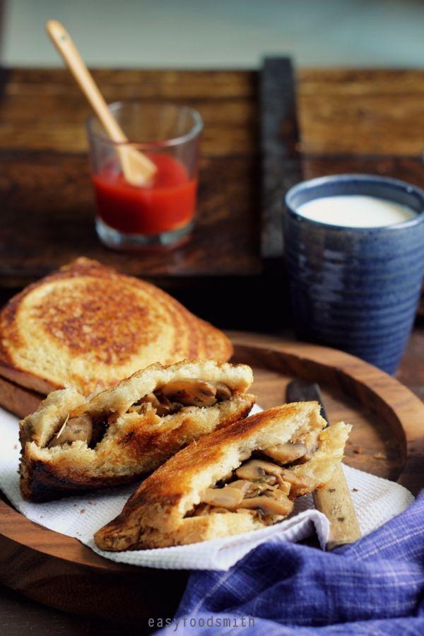 HERBED GARLICKY MUSHROOM JAFFLES   Easy Food Smith